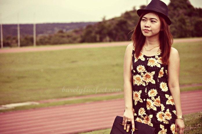 mini-dress floral dress fedora hat clutch